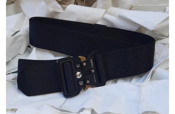 Ζώνη παντελονιού χρώματος μαύρη,με μεταλλική πόρπη